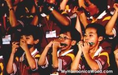 460 People Largest Harmonica Performance_2